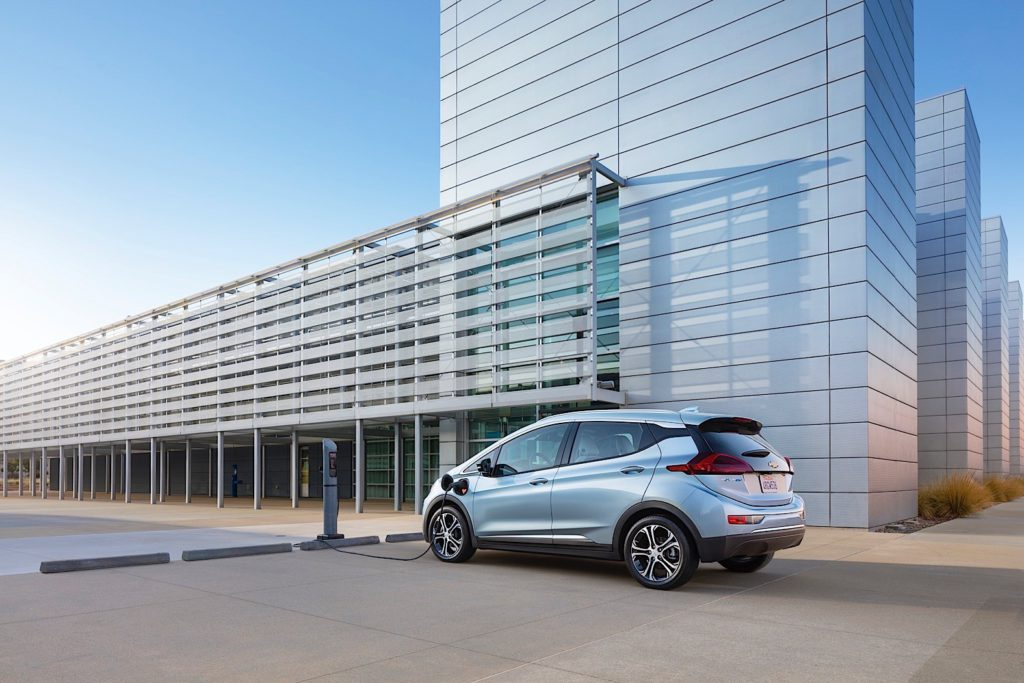this-is-the-2017-chevrolet-bolt-it-s-going-to-change-everything_8