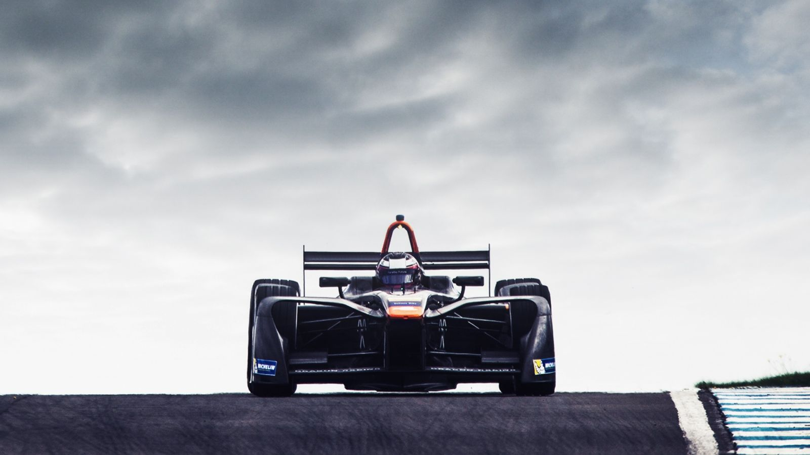 LeEco-Faraday-Future-Dragon-Racing-Formula-E-8-PNG