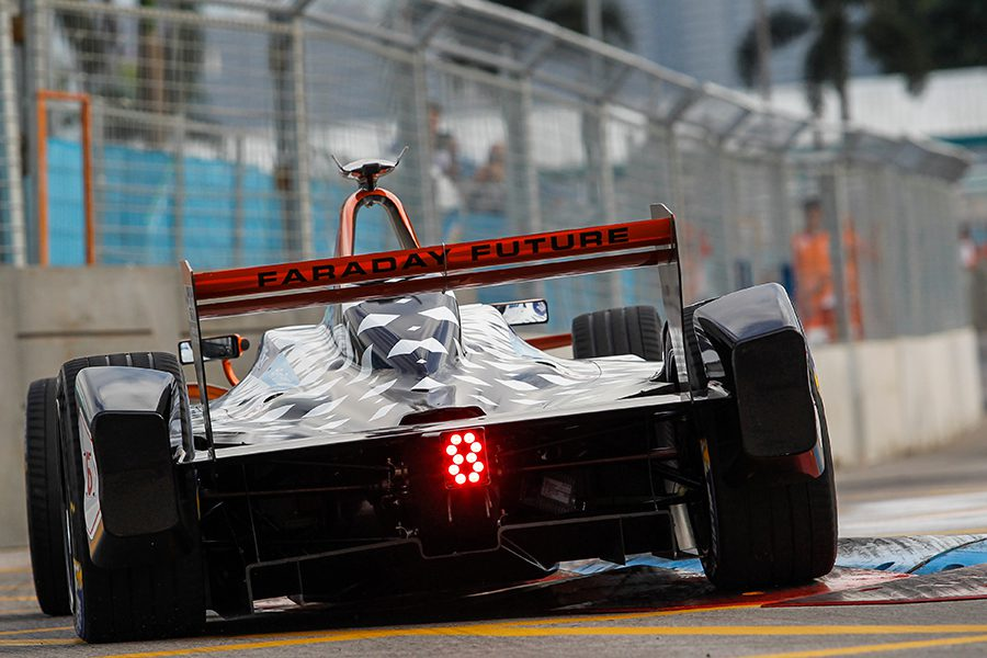 faraday-future-dragon-racing-race-car-turning-corner-formula-e