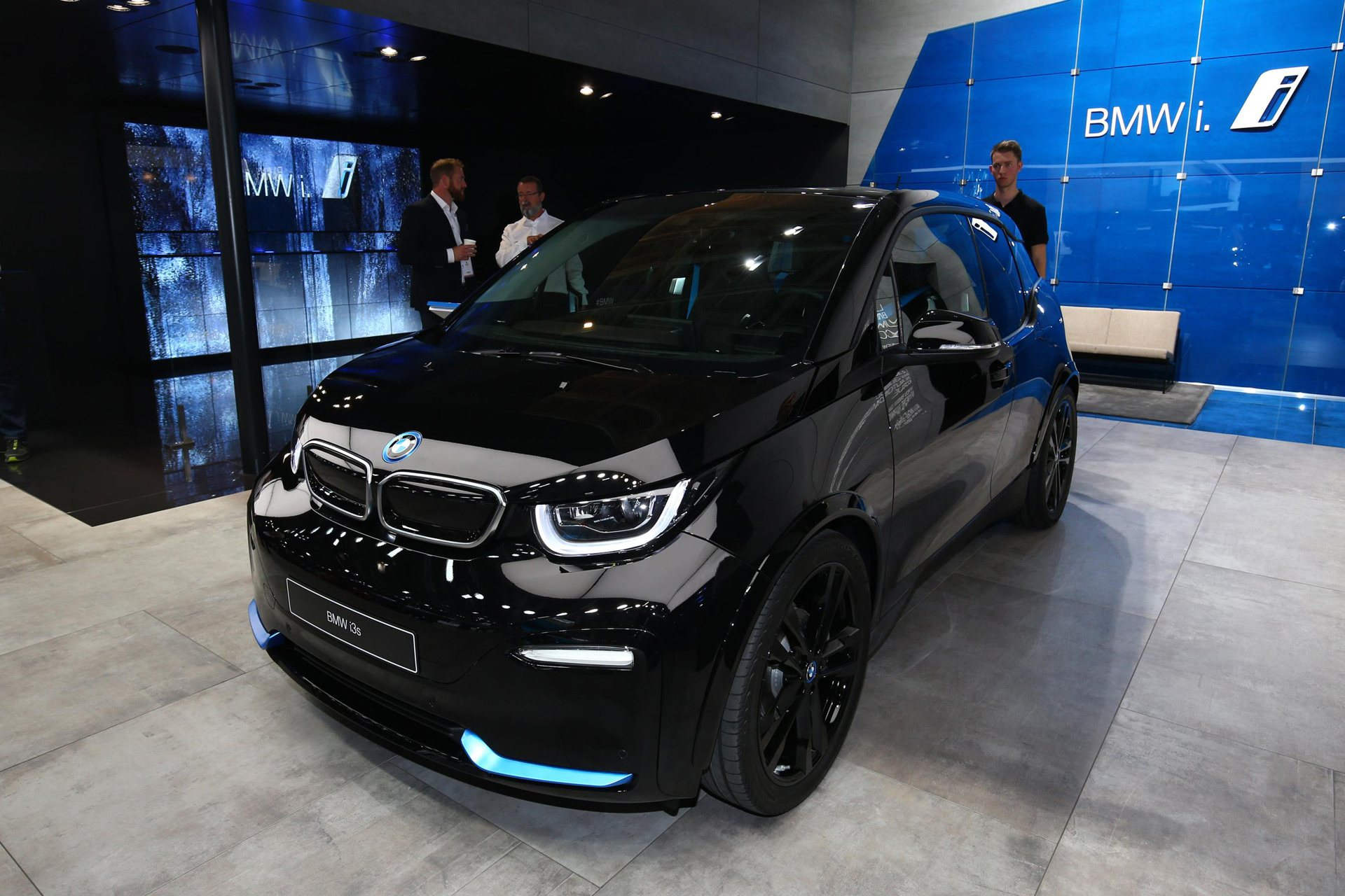 Bmw I3 Battery Upgrade >> Top 5 Electric Cars At The Paris Motor Show 2018